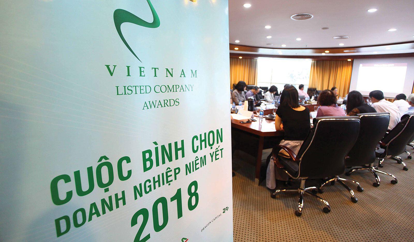 20181108-lap-bao-cao-thuong-nien-mot-so-diem-can-hoan-thien-1