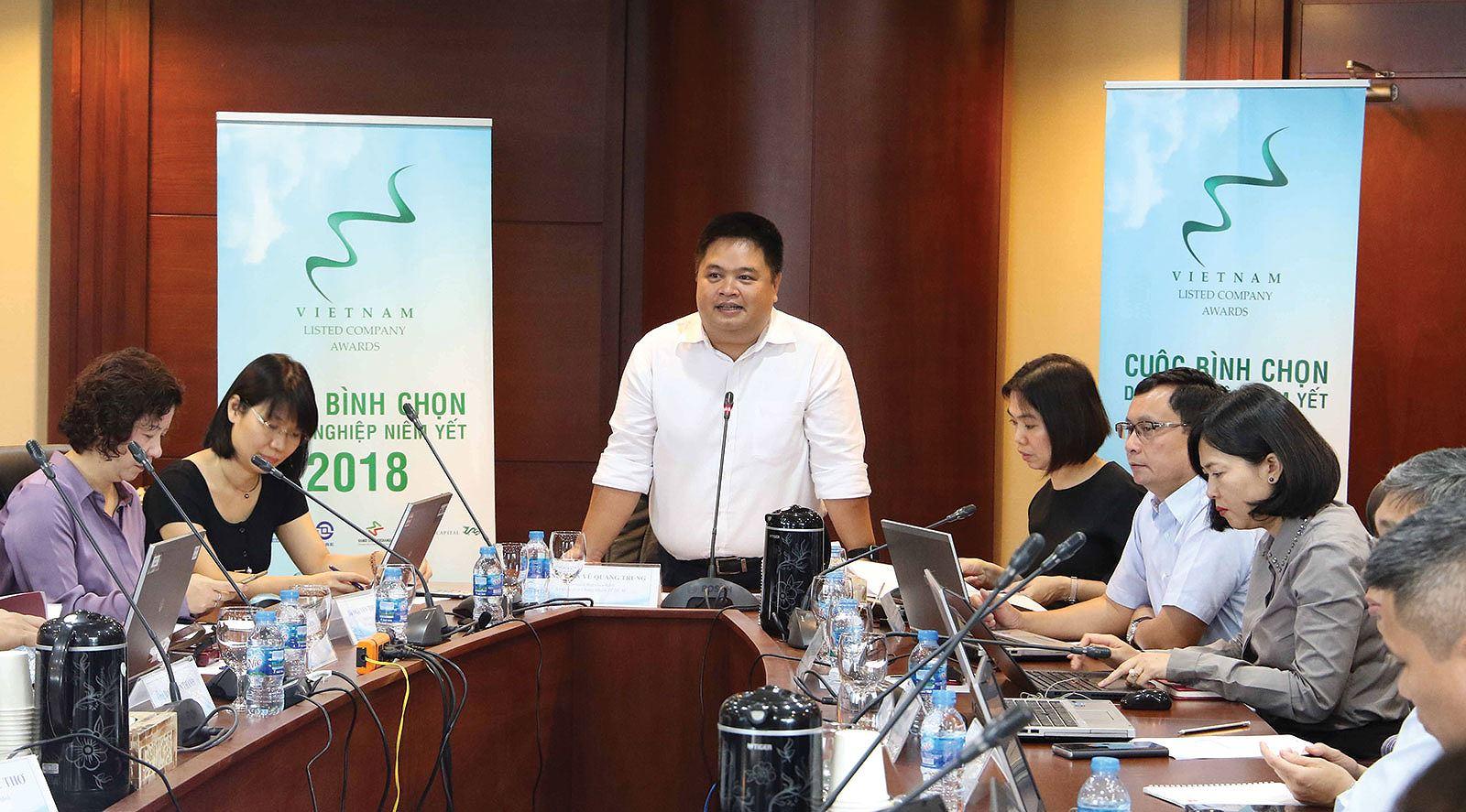 20181108-lap-bao-cao-thuong-nien-mot-so-diem-can-hoan-thien-2